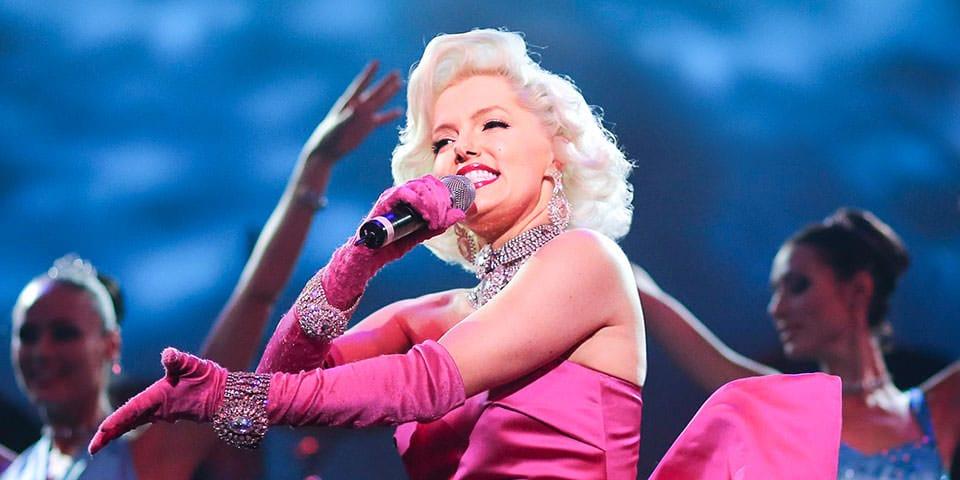 Showet Stars in Concert byder på en stjernespækket forestilling.
