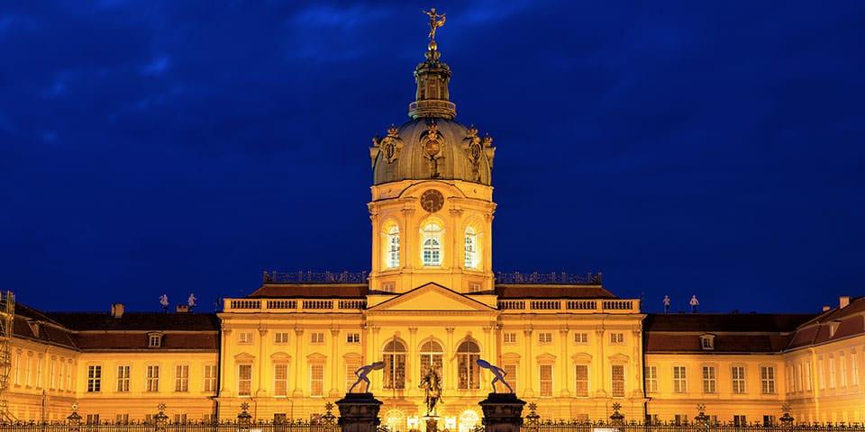 Shloss Charlottenburg danner en smuk ramme om nytårskoncerten.