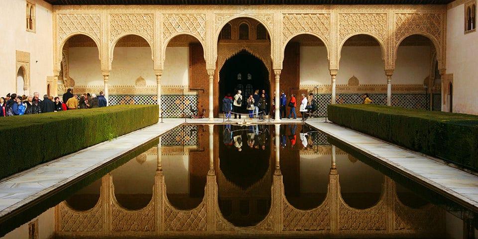 Et besøg på Alhambra er en oplevelse i særklasse.