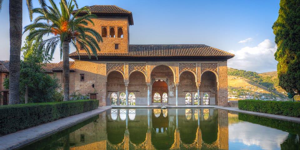 Det smukke mauriske Alhambrapalads er en stor oplevelse.