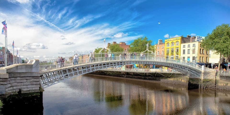 Gangbroen Ha'penny Bridge.