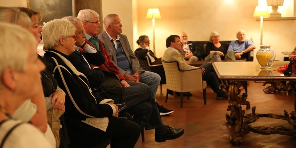Foredrag af de danske rejseleder på Hotel Columbus - Storbyferie i Rom