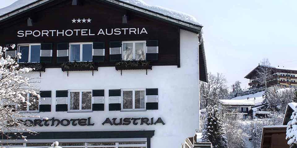 Sporthotel Austria i vinterklæder.
