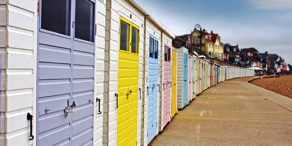 Ægte engelske badehuse i Lyme Regis.