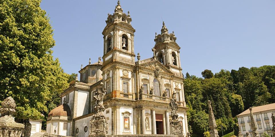 Bragas fantastiske kirke Bom Jesus do Mont.
