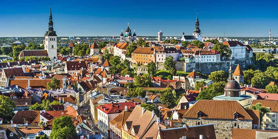 Den smukke udsigt over Tallinn, som gemmer på masser af oplevelser.
