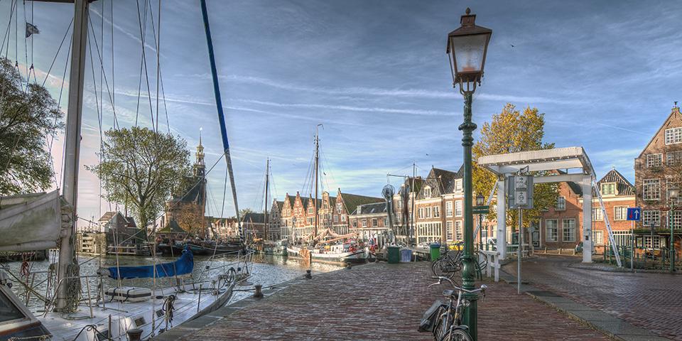 Den idylliske havn i fiskerbyen Hoorn.