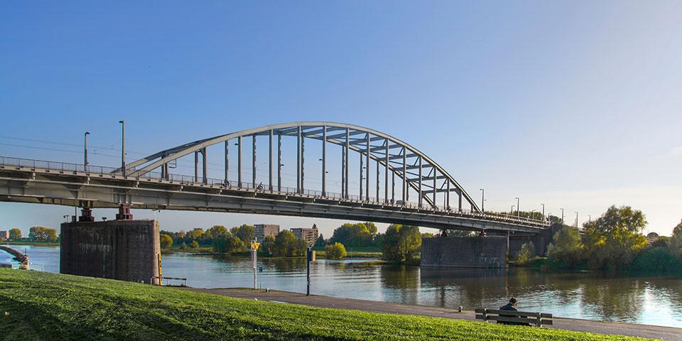 Den karakteristiske bro i Arnhem.
