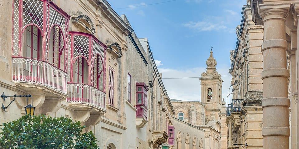 I Mdina venter fortryllende arkitektur bag hvert gadehjørne.