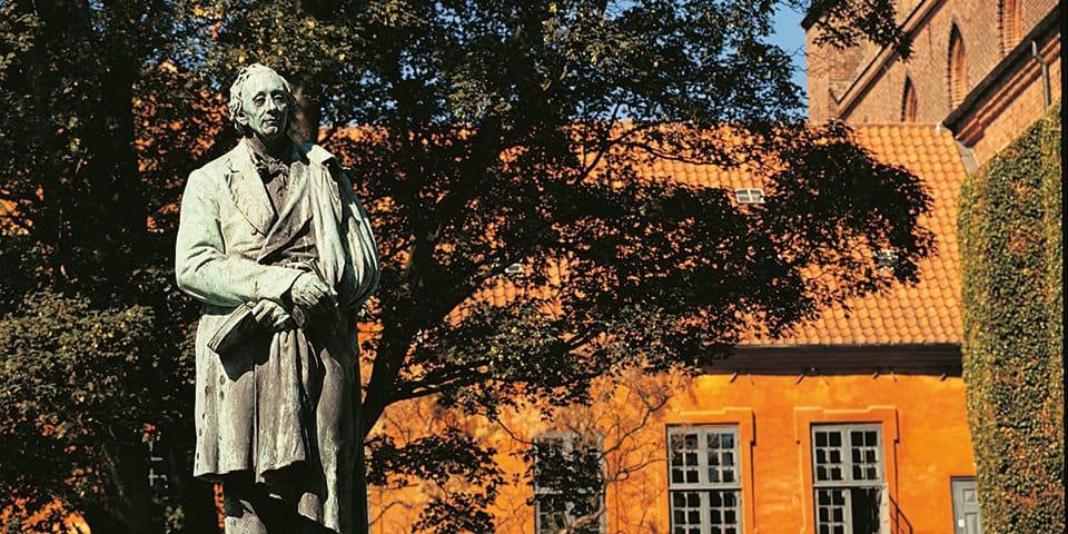 Statue af HC Andersen, Eventyrhaven i Odense - Julerejse