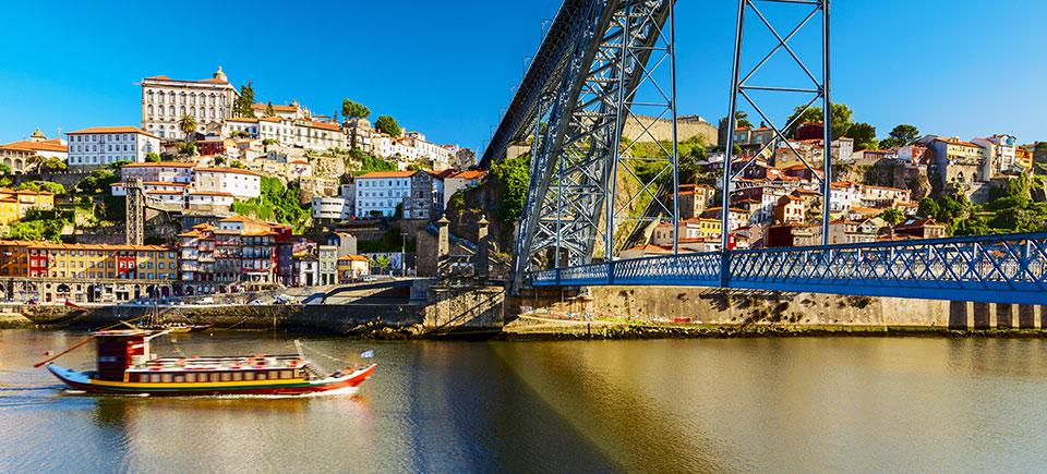 Kig over Douro i Porto.