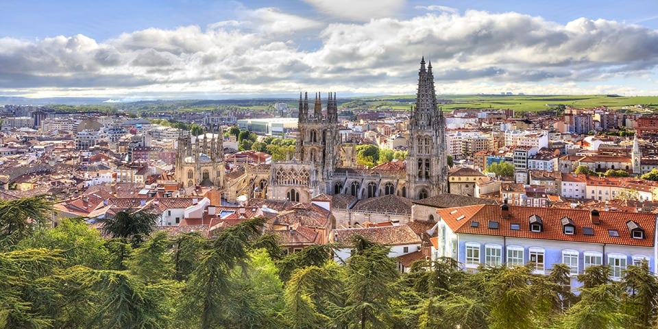 I Burgos mødes vi af spirene på byens katedral - Spaniens tredjestørste kirke.