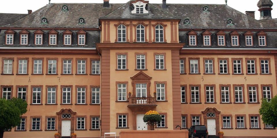 Hovedindgangen på Berleburg Slot.