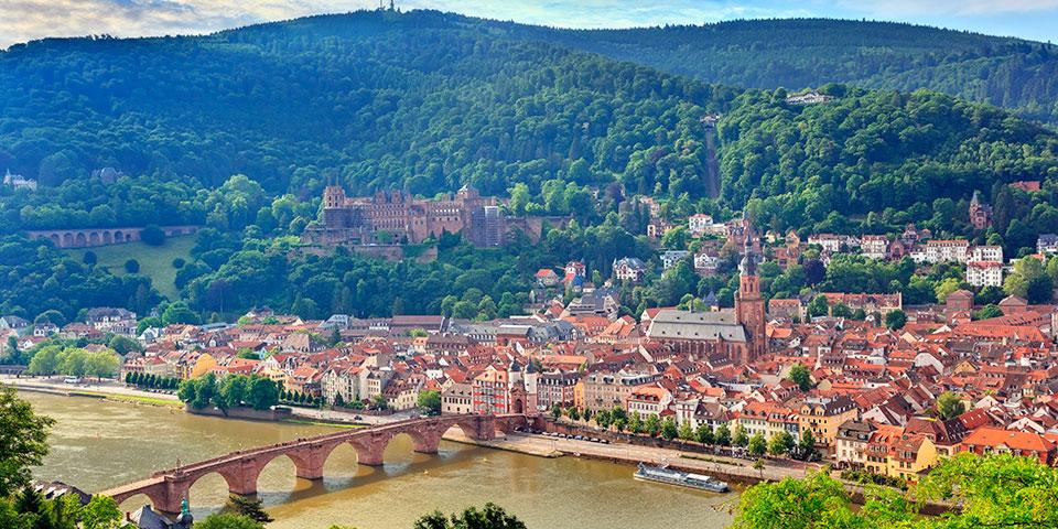 Heidelberg ligger flot ned til floden Neckar.