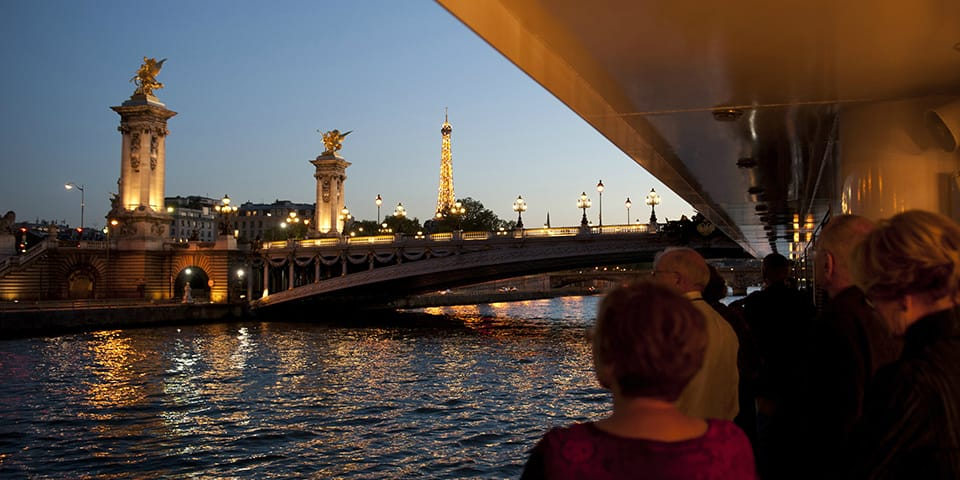 Udsigt fra MS Seine Princess til Eiffeltårnet i Paris