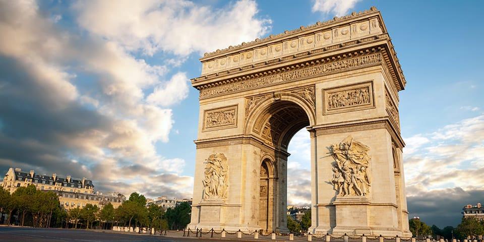 Triumfbuen i Paris - Nytårskrydstogt på Seinen