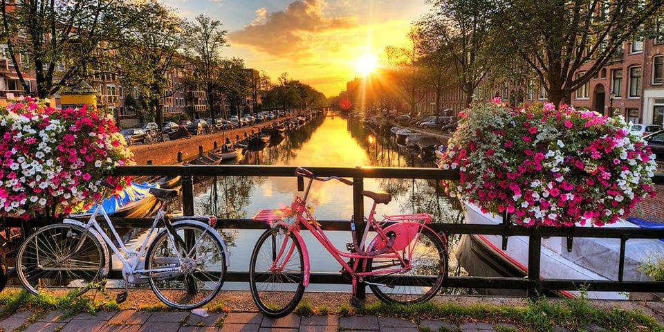 Amsterdam er en af Europas smukkeste storbyer.