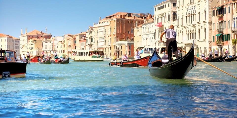 Gondoler i Venedig.