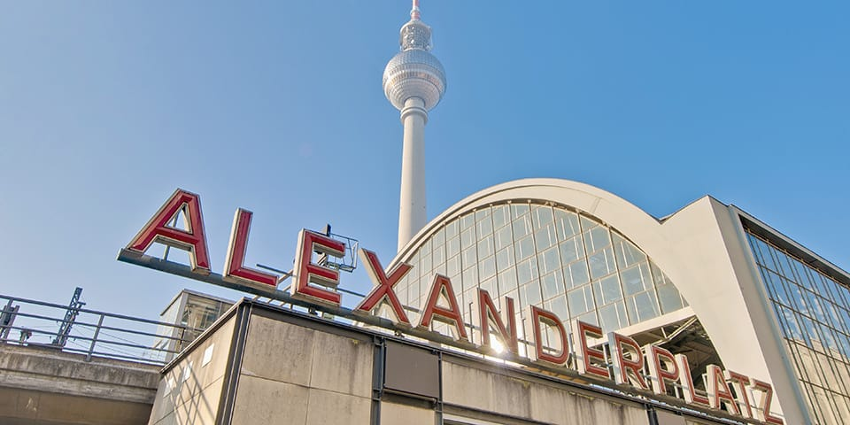 På Alexanderplatz finder vi det imponerende fjernsynstårn.