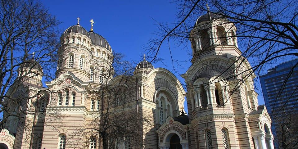 Rigas imponerende russisk-ortodokse kirke.