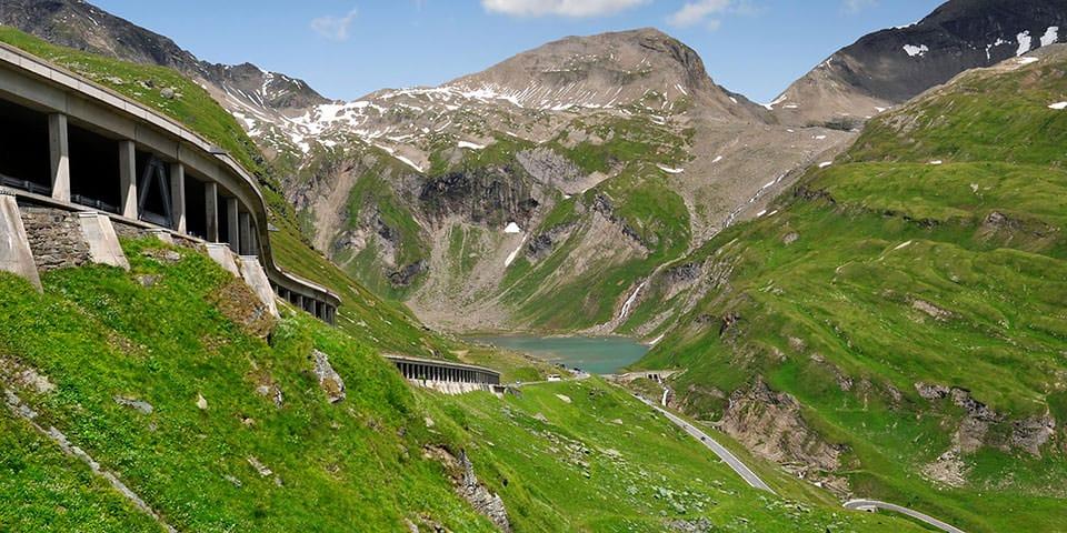 Grossglockner Hochalpenstrasse fører til udsigtspunktet ved Franz Josefs Höhe.
