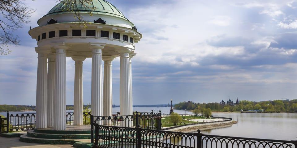 Floden Volga i Jaroslavl - Moskva - Skt. Petersborg