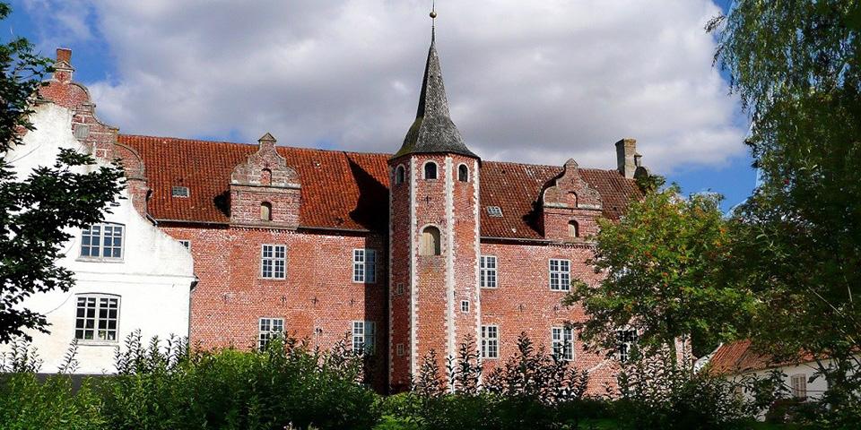 Den gamle borg Harridslevsgaards historie går helt tilbage til 1231.