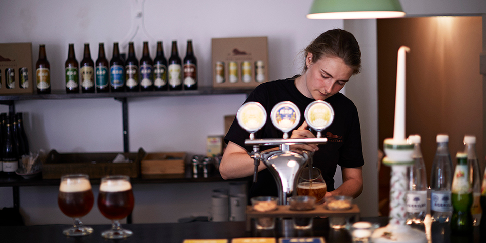 Den gode ærøøl skænkes på Rise Bryggeri.