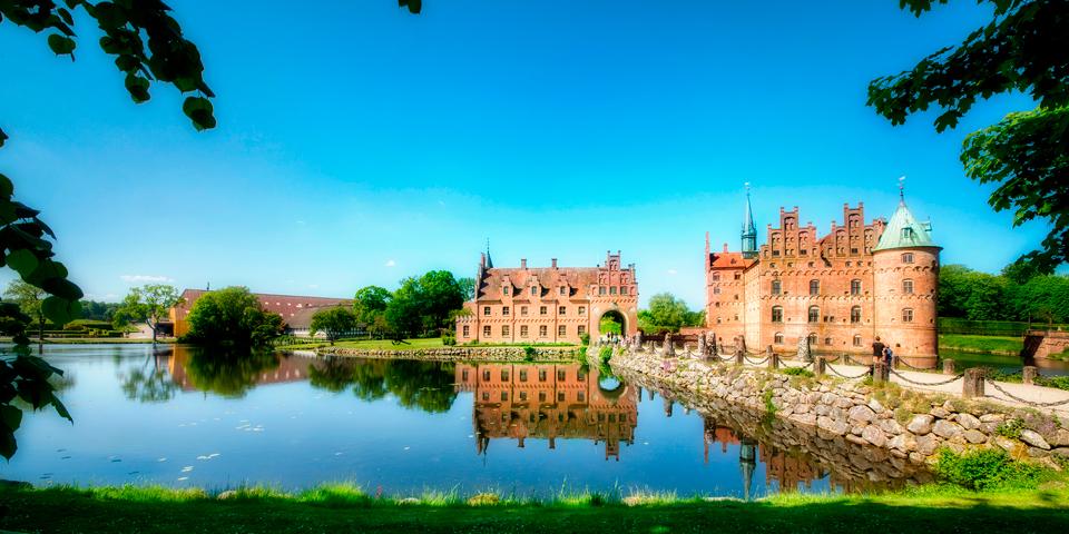 Det eventyrlige Egeskov Slot.
