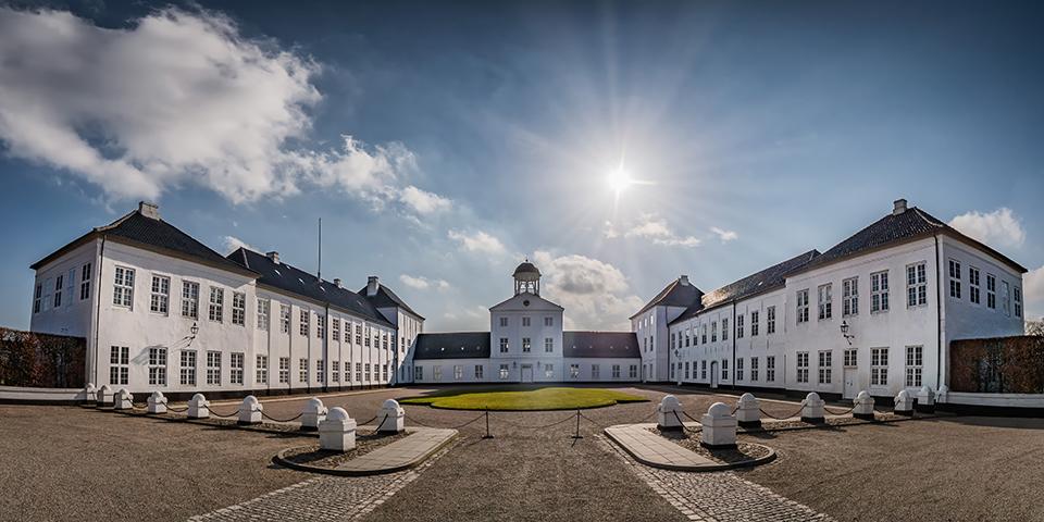 Kongefamiliens sommerresidens Gråsten Slot.