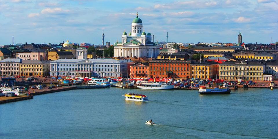 Helsinki set fra vandet.