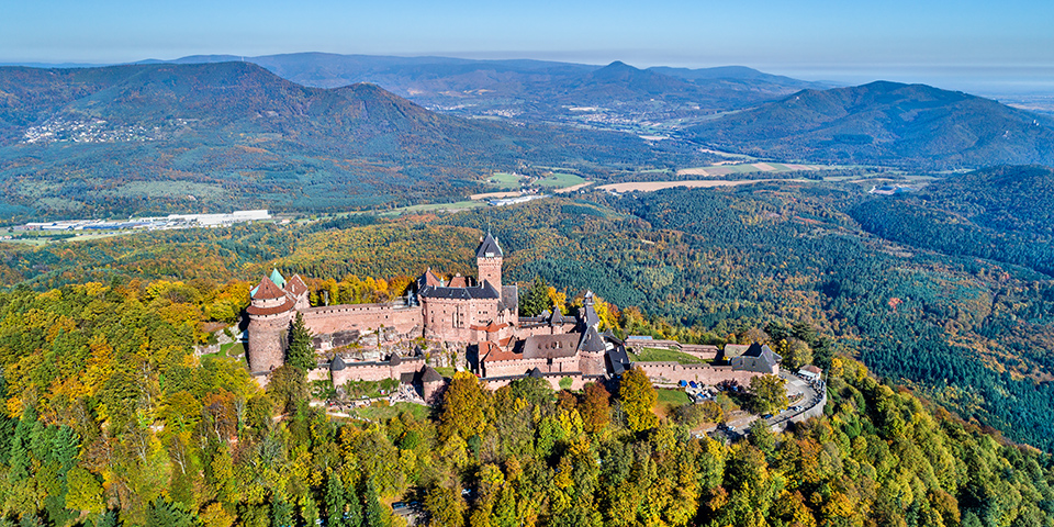 Den imponerende Haut Koenigsbourg set fra luften.