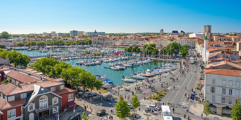 Udsigt over La Rochelle og byens imponerende lystbådehavn.