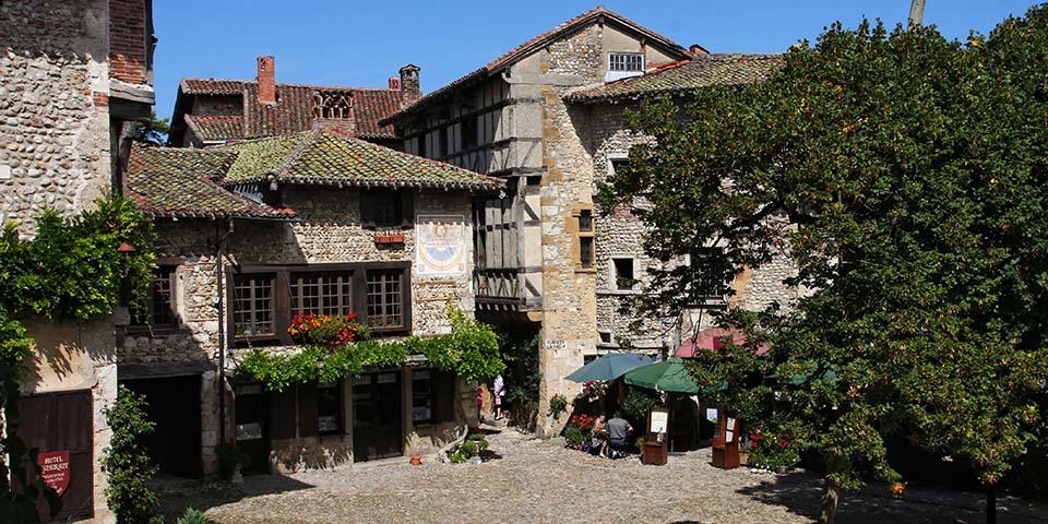 Middelalderbyen Perouges er utrolig stemningsfuld og velbevaret.