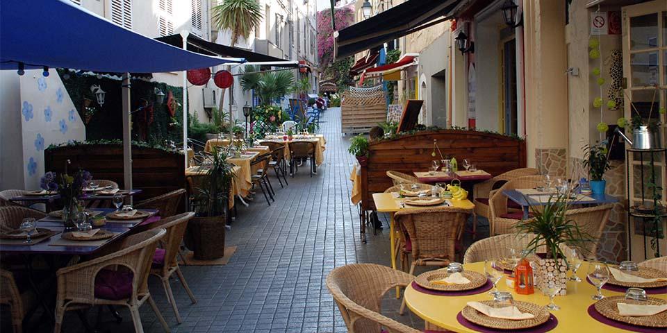 En af de hyggelige gader i Hyères.