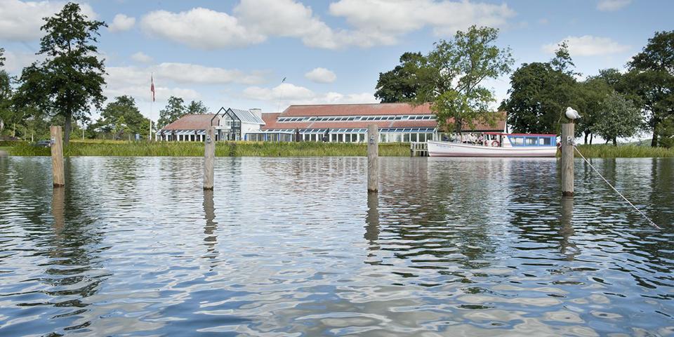 Vores hotel der ligger smukt ud til Søndersø.