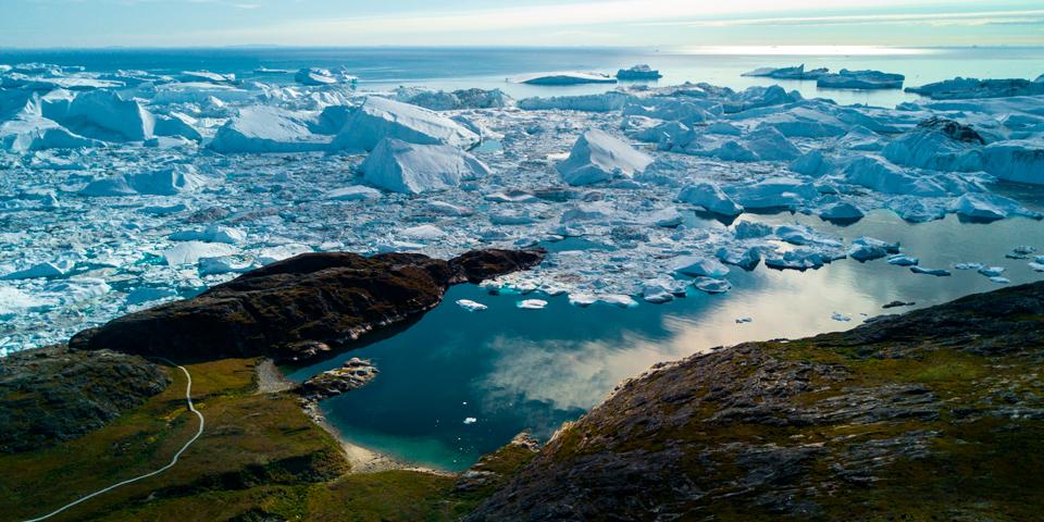 Udsigt over Ilulissat og Isfjorden.