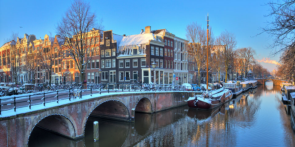 Amsterdam er også ved vintertide et smukt bekendtskab.