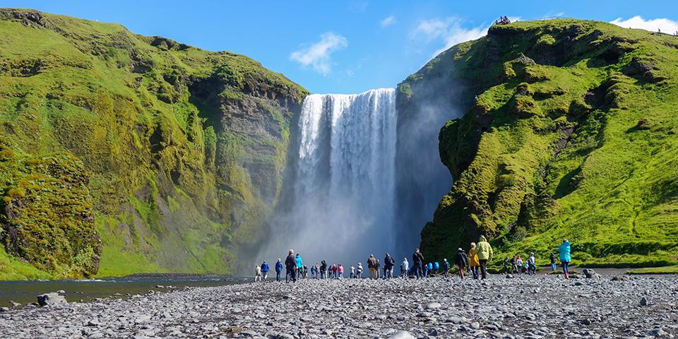 Skogafoss er et af Islands smukkeste vandfald.