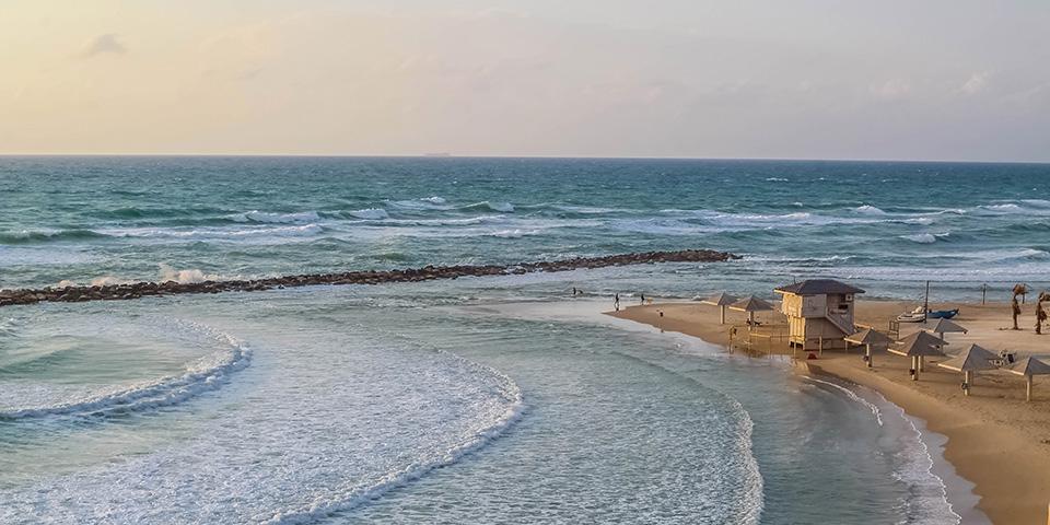 Natanya ligger skønt ved Middelhavet.