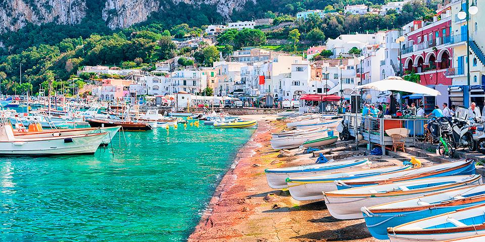 Nyd de lækre omgivelser på smukke Capri.
