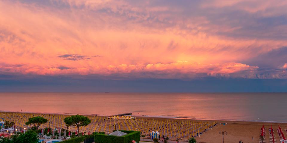 Solen går ned ved Lido di Jesolo.