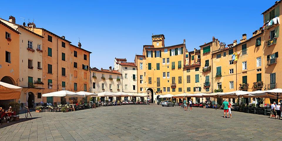 Piazza del Mercato i Lucca.