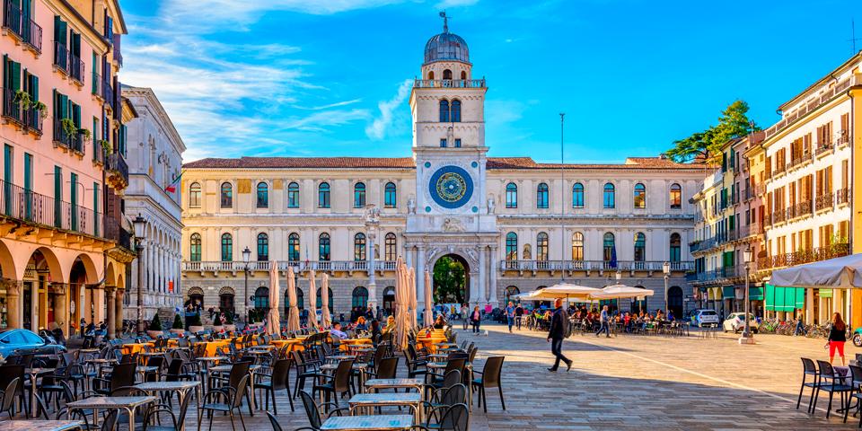 Den centrale plads i Norditaliens ældste by, Padova.