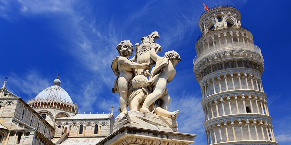 Det berømte skæve tårn i Pisa.
