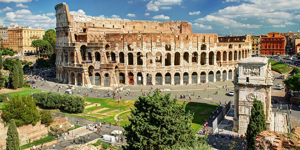 Det imponerende smukke Colosseum i Rom.