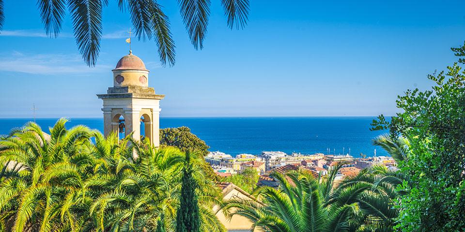 San Remo ligger flot ud til havet.