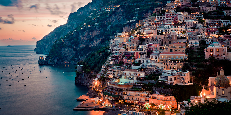 Glæd dig til blandt andet at opleve Positano.