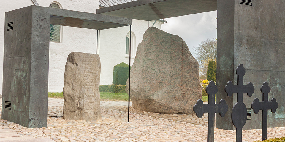 Jellinge-monumenterne.