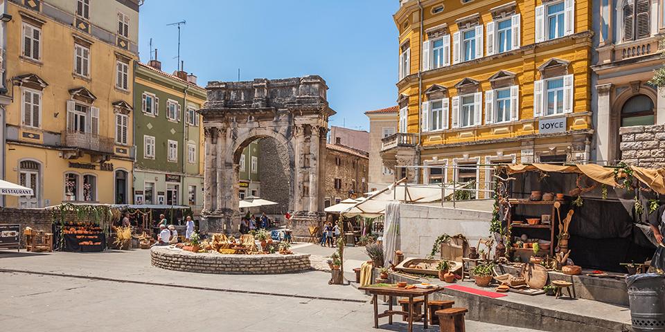 Pula er den største by på Istrien.